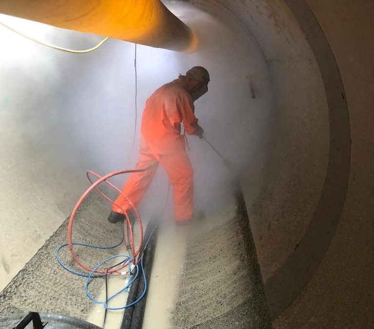 Concrete Scabbling using UHP New Sewer Tunnel
